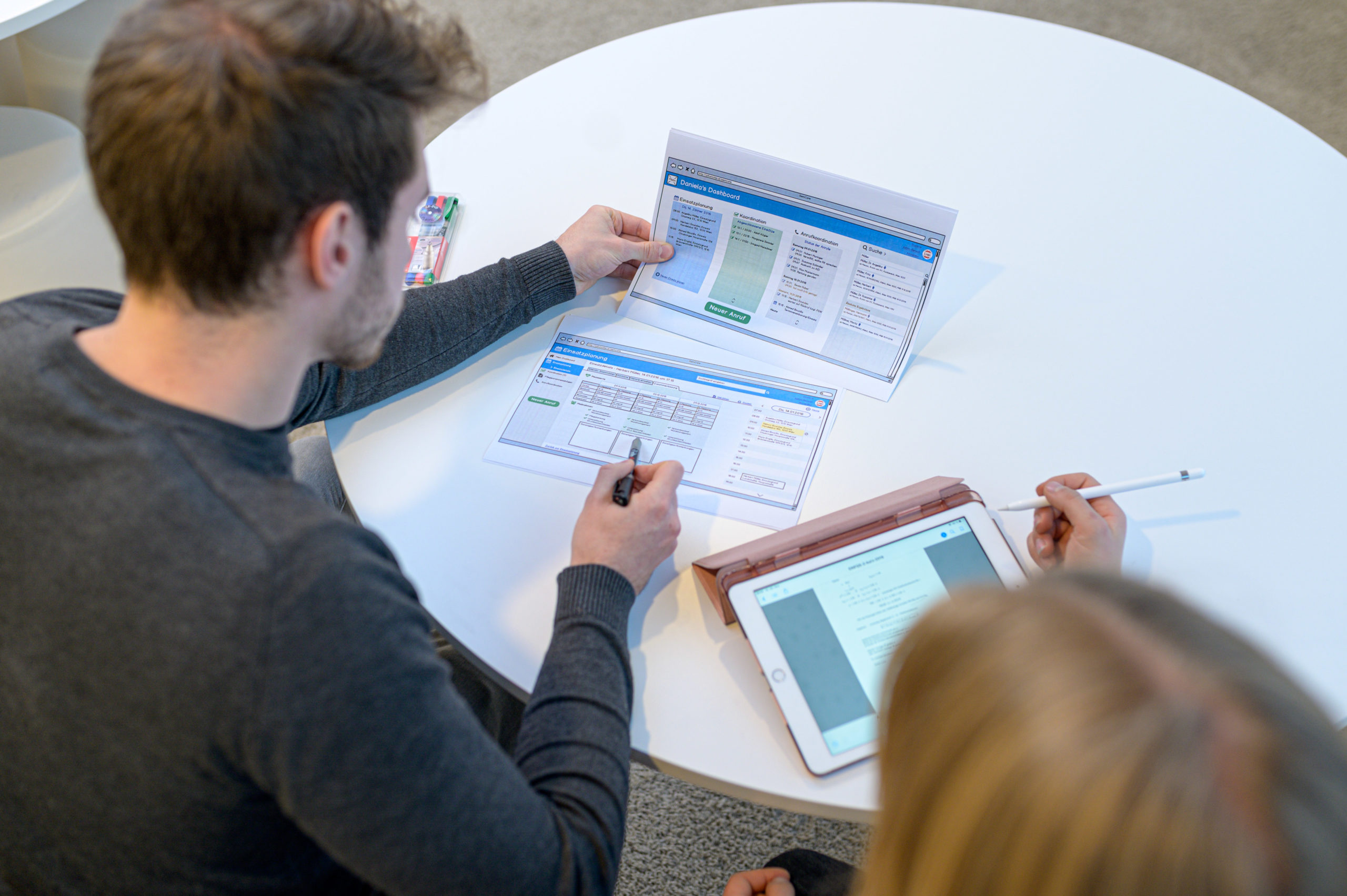 Digitale Kompetenzen für Nicht-TechnikerInnen: Diese Master-Lehrgänge rüsten dich für die Digitalisierung.